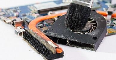 Как почистить ноутбук от пыли дома