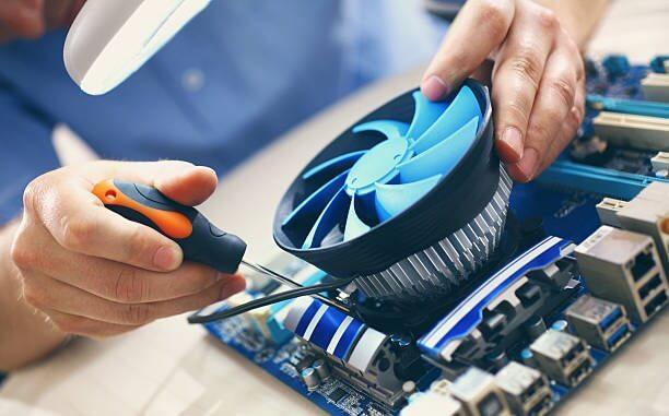Почему бизнесу выгодно обслуживать компьютеры у профессиональной компании