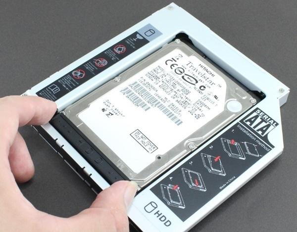 ustanovka-zhestkogo-diska-v-adapter